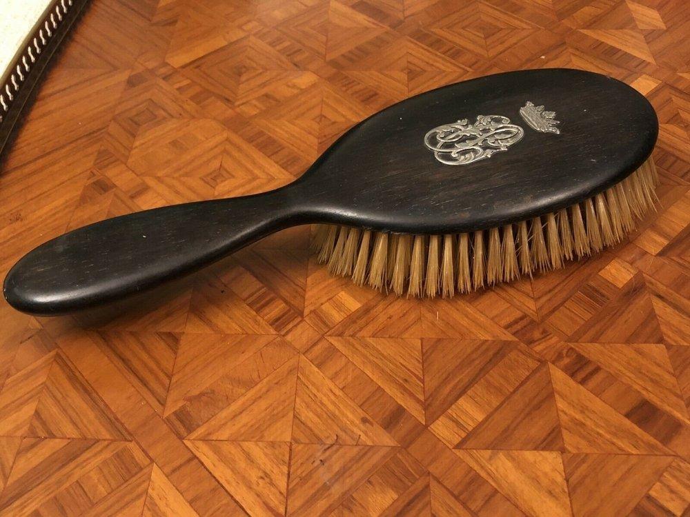 Antique Hairbrush -06.jpeg